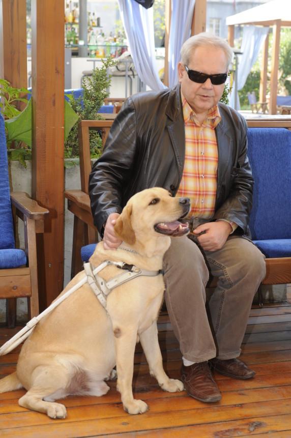 Локус е първото куче водач и работи с Валентин от 2005г.