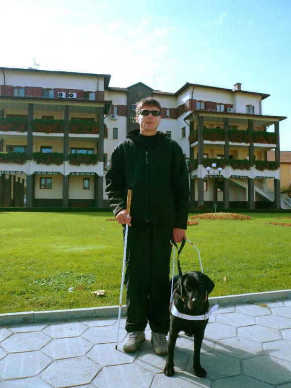 От 2007г. Валтава работи за Румен в гр. Трявна.