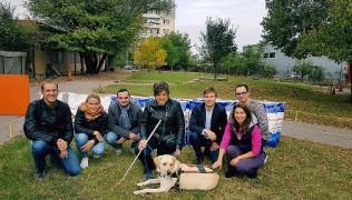 Благодарим на служителите на Royal Canin за доброволния труд и дарената кучешка храна!