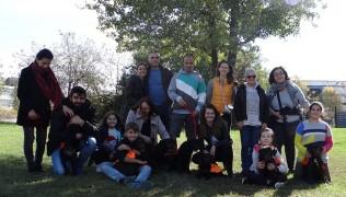 (Български) Малките ученици от клас П /родени през май 2017г./ на тренировка по послушание в училището за кучета водачи.