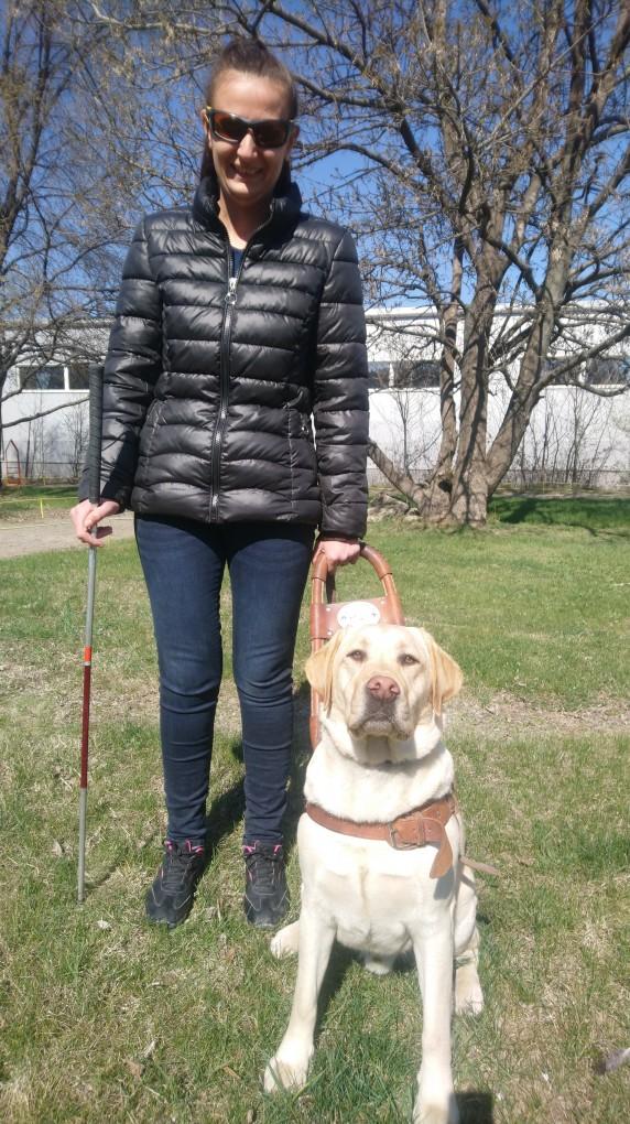 Елена Атанасова и кучето водач Огън